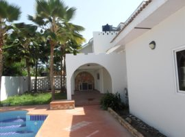 5 Bedroom Detached House + Pool to Let