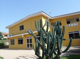9 Room Office to Let in East Legon