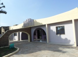 4 Bedroom House to Let, Alajo