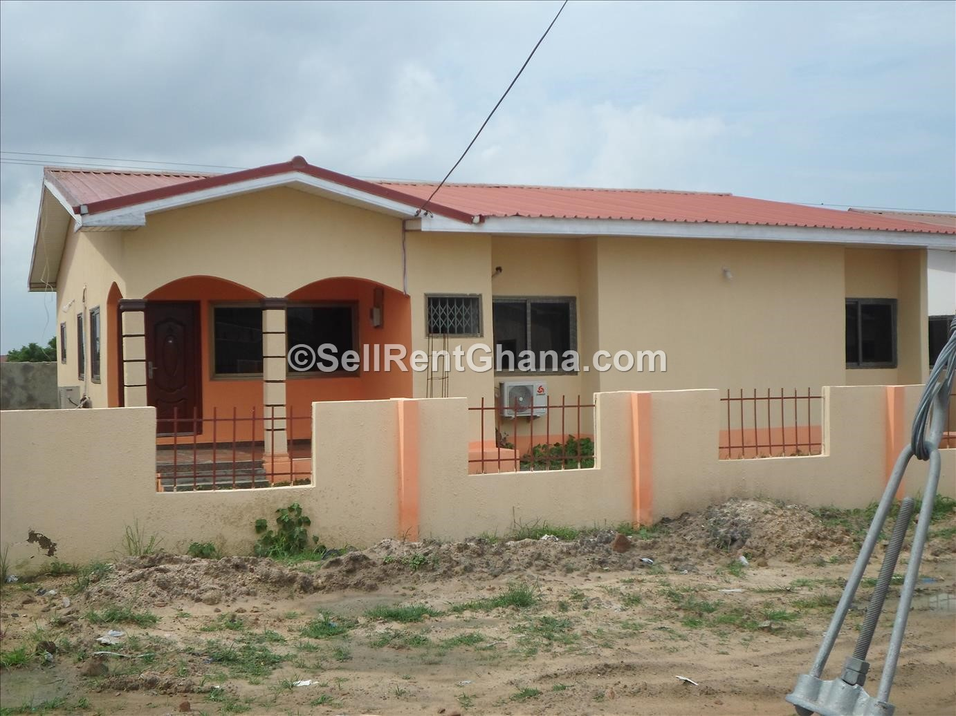 2 bedroom detached house tema comm 25 sellrent ghana for Two bedroom house