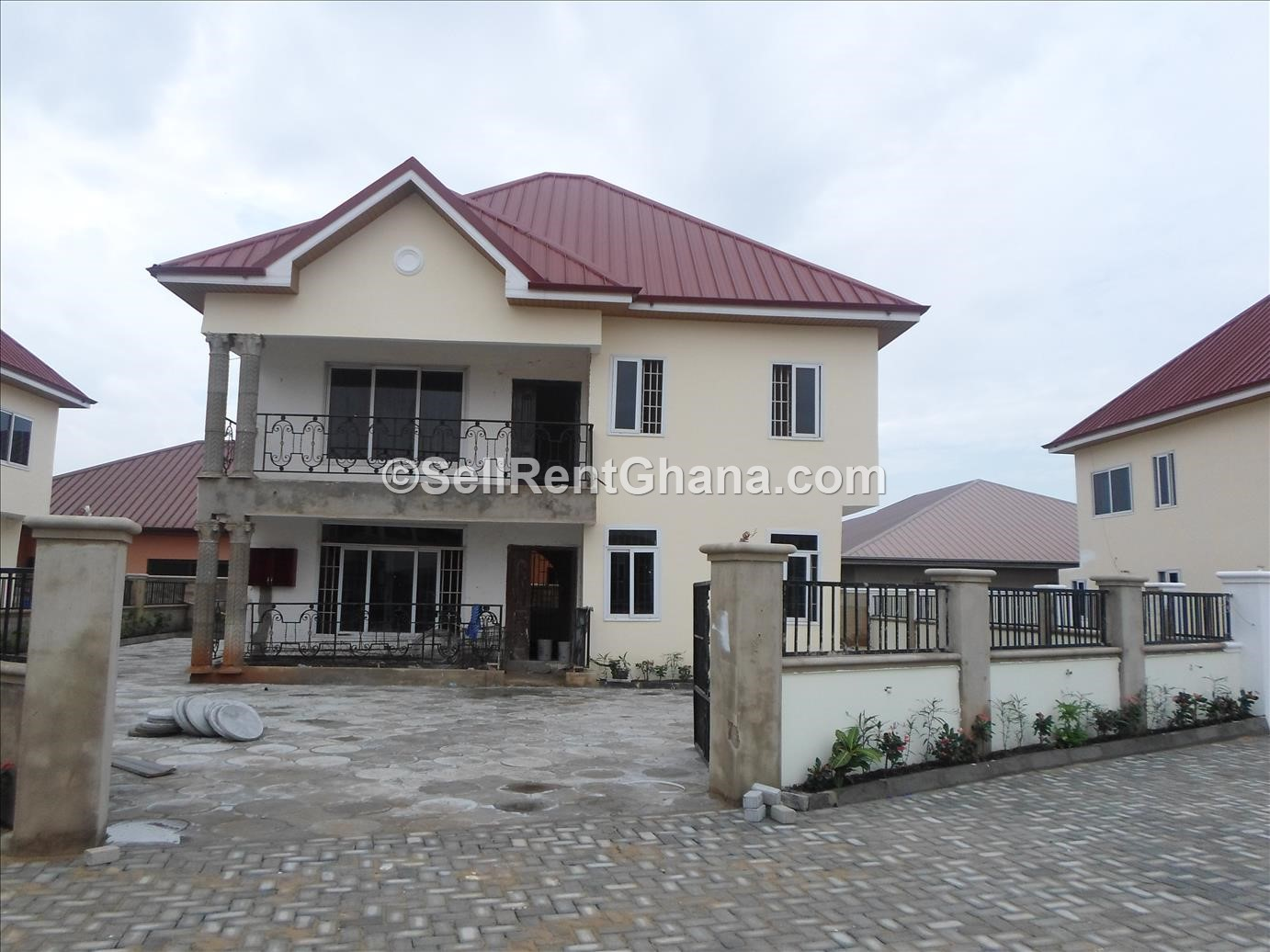 4 bedroom townhouses for sale tema comm 25 sellrent ghana. Black Bedroom Furniture Sets. Home Design Ideas