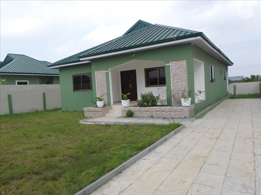 3 bedroom detached house selling sellrent ghana for Two room house