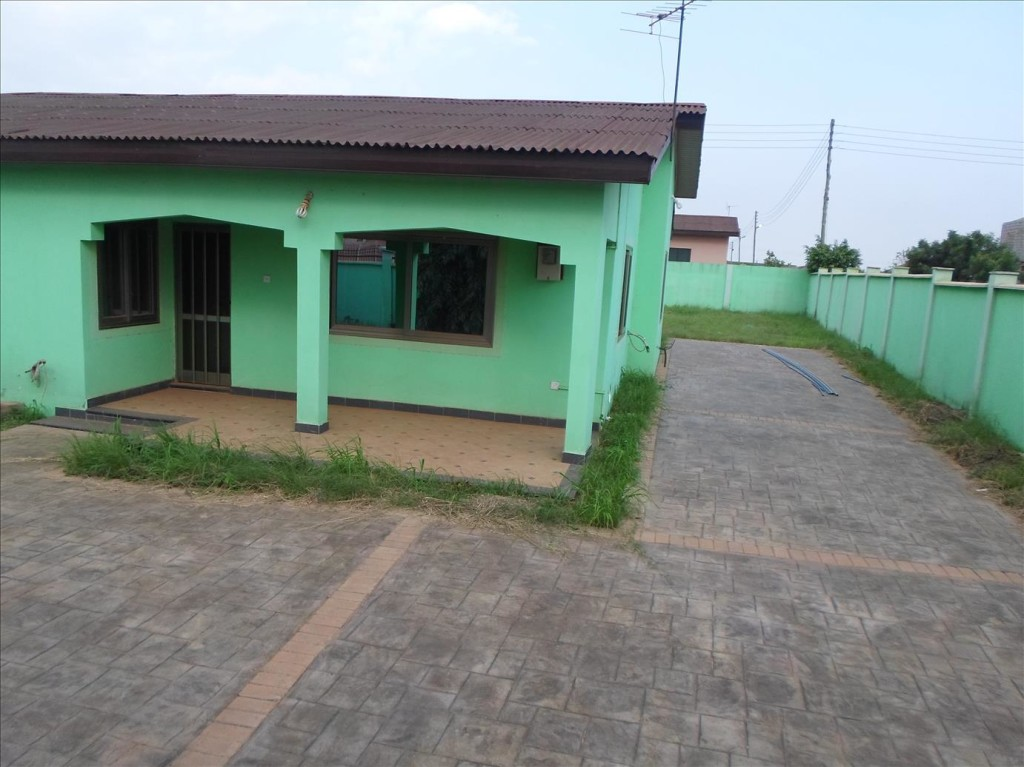 3 Bedroom House For Sale In Accra Adenta
