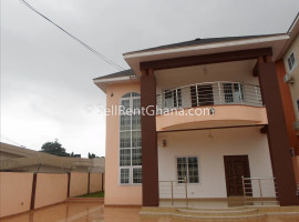 7 Bedroom House to Let in East Legon