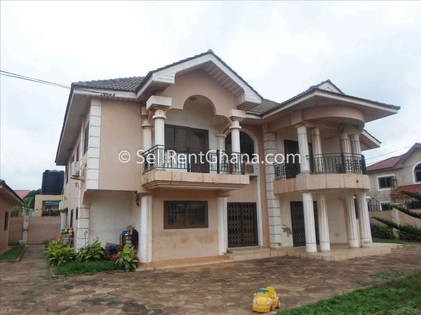 6 bedroom house for sale in spintex sellrent ghana for Six bedroom house for sale
