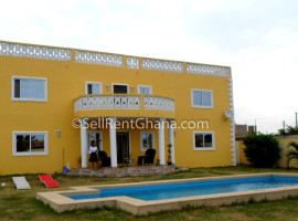 5 Bedroom Detached House + Boys Qtrs Selling