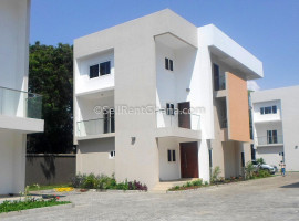 4 Bed Townhouse + Staff Quarters Renting