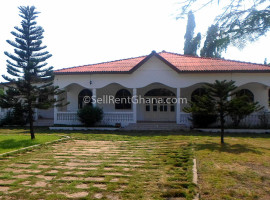 3 Bedroom House + Staff Quarters Renting