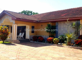 3 Bedroom House + 3 Staff Quarters Selling