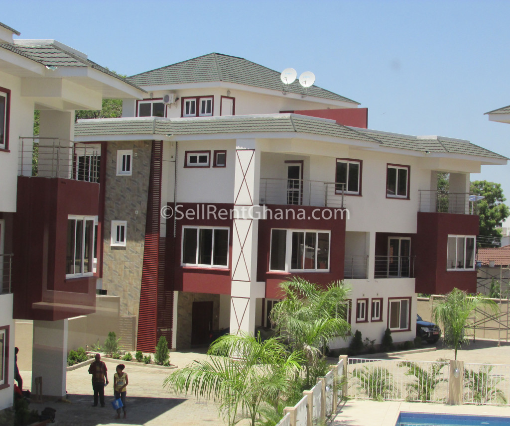 3 Bedroom Townhouse: 3 Bedroom Townhouse + Staff Quarters Renting
