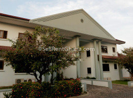 3 Bedroom Semi-Detached Townhouse to Let
