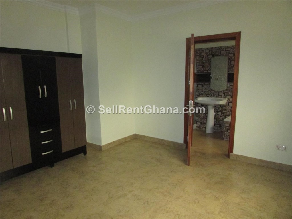 2 3 Bedroom Apartment For Rent In Osu Sellrent Ghana