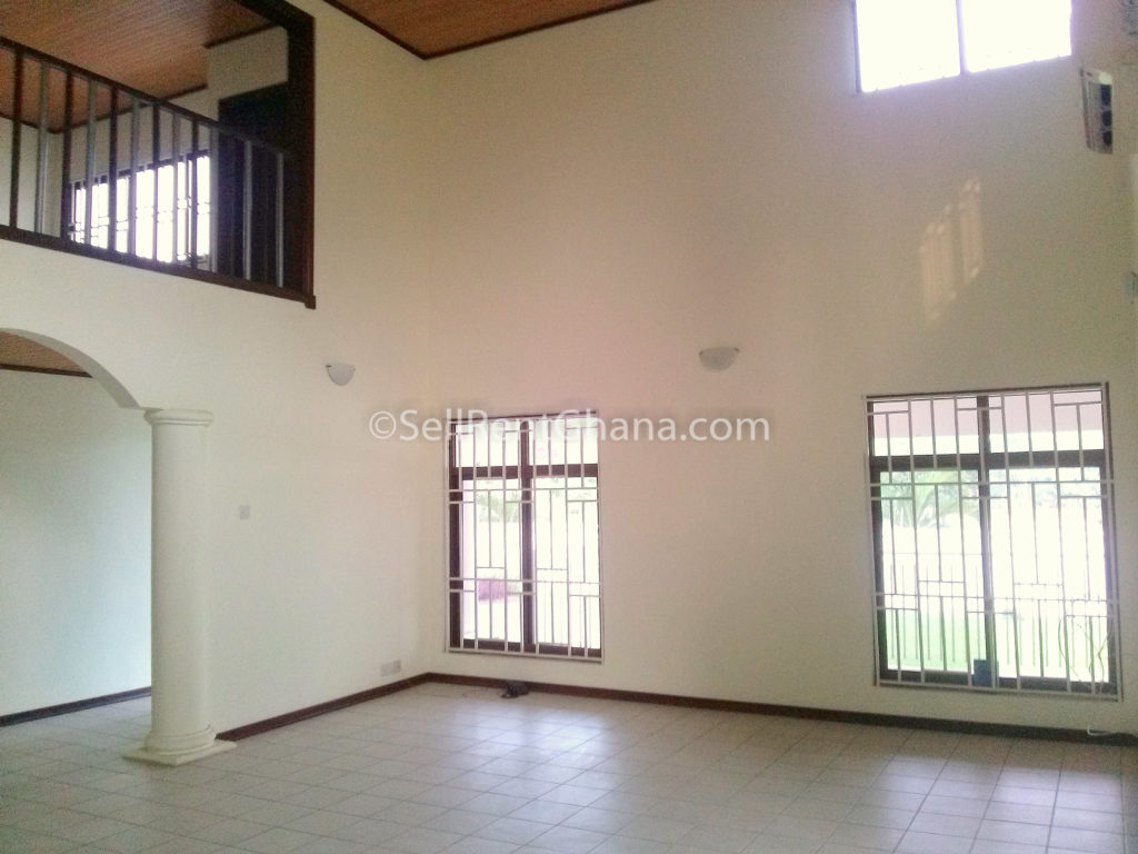 Bedroom Townhouse   Pool to Let Airport SellRent Ghana #65462E