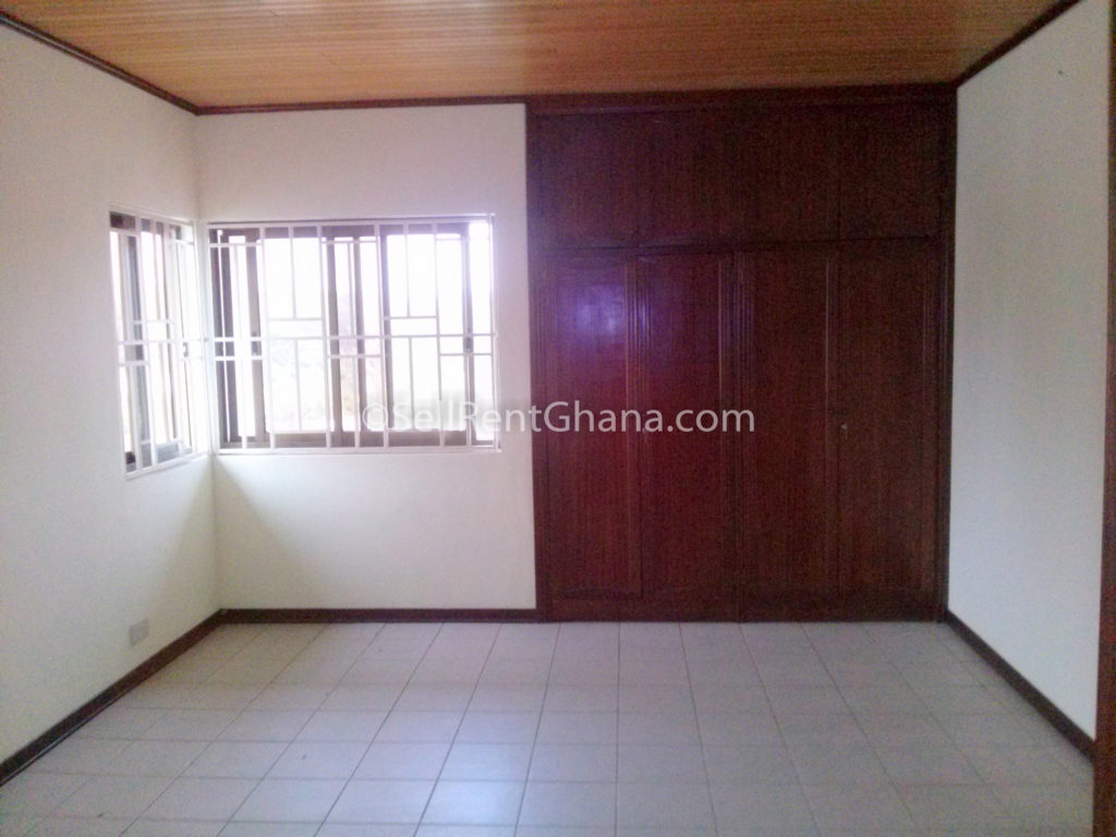 Bedroom Townhouse   Pool to Let Airport SellRent Ghana #39191A