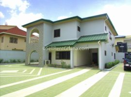 5 Bedroom Townhouse + 2 Staff Quarters for Rent