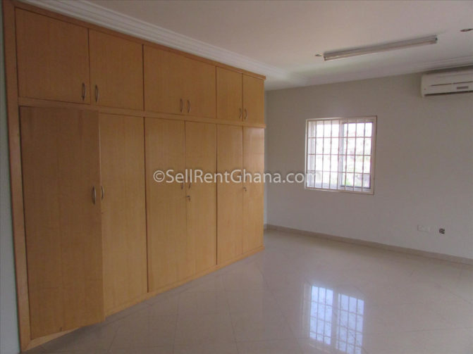 4 bedroom unfurnished townhouse