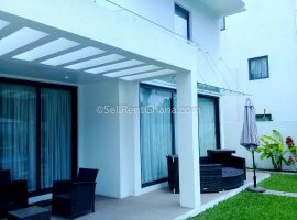 4 Bedroom House + Private Pool Renting