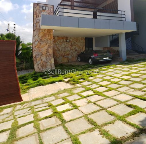 2 Bedroom Unfurnished Apartment For Rent: 2 Bed Apartment Unfurnished Renting