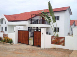 4 Bedroom Detached Townhouse Renting